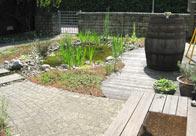 Büro mit Vorgarten