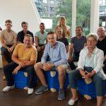 Bewegungsdocs: Das ganze Ewald-Team auf dem Hausboot der Docs
